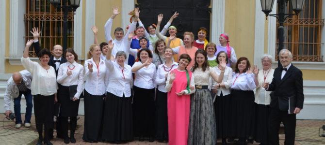 В храме Всех Святых во Всехсвятском на Соколе состоялся праздничный концерт семейных клубов трезвости, посвященный престольному празднику храма