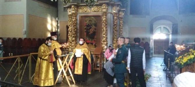 Руководитель Центра иерей Алексий Авдюшко совершил молебен у мощей святителя Луки